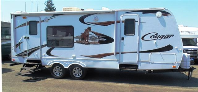 Buy a Used Keystone Cougar in Anderson, CA.