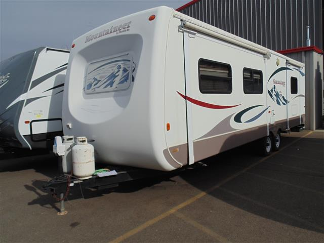 Used 2004 Keystone Mountaineer 325FKBS Travel Trailer For Sale
