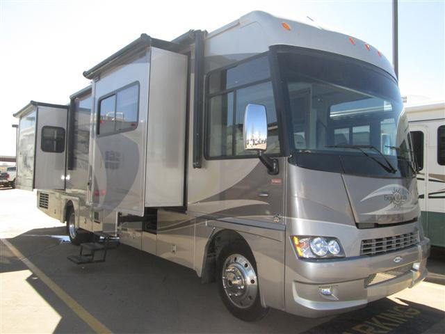 Buy a Used Itasca Suncruiser in Oklahoma City, Oklahoma.
