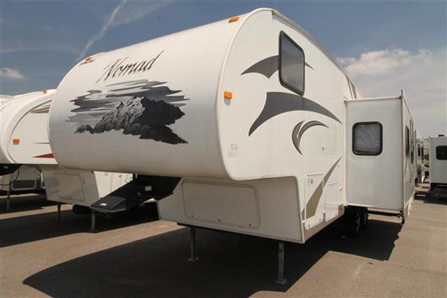 Used 2011 Skyline Nomad 2556 Fifth Wheel For Sale