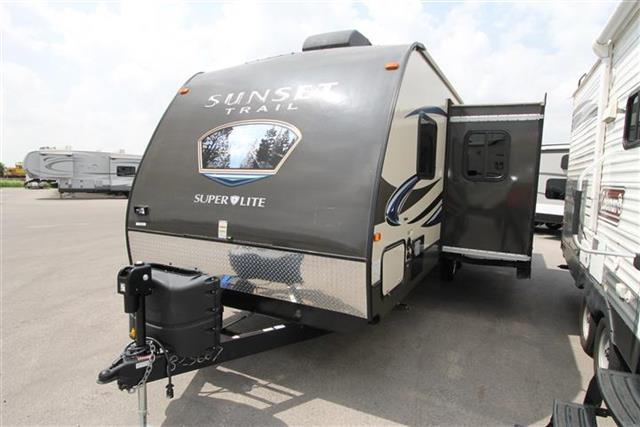 Used 2014 Crossroads Sunset Trail 250RB Travel Trailer For Sale
