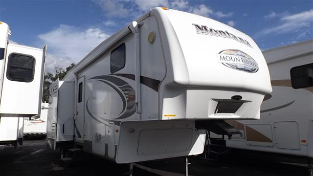 Buy a Used Keystone Mountaineer in Dover, FL.