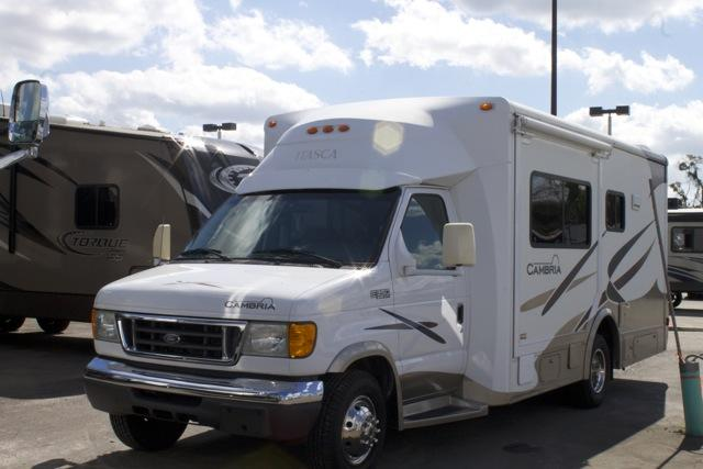 Buy a Used Itasca Cambria in Dover, FL.