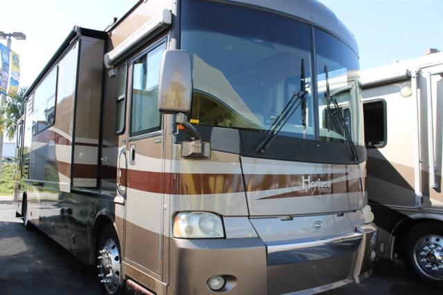Buy a Used Itasca Horizon in Dover, FL.