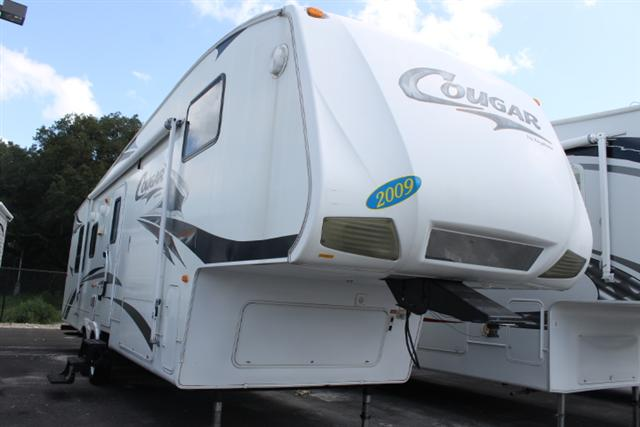 Buy a Used Keystone Cougar in Dover, FL.