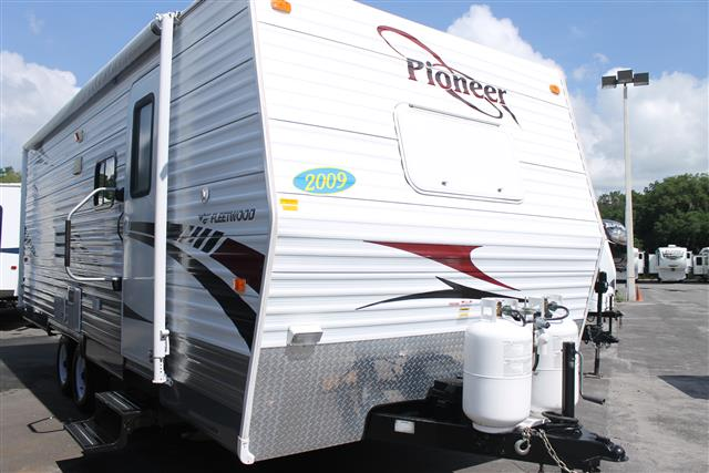 Used 2009 Fleetwood Pioneer 21CKS Travel Trailer For Sale