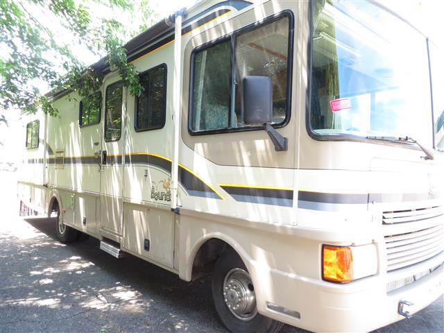 Used 1997 Fleetwood Bounder 31 FT Class A - Gas For Sale