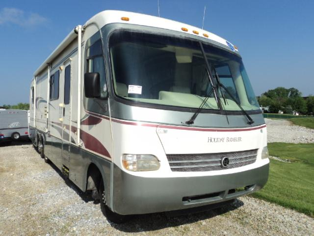 Buy a Used Holiday Rambler Endeavor in Hanover, PA.