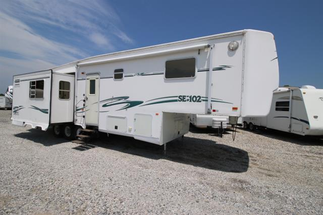 Used 2002 NuWa Snowbird 35+2RKTG Fifth Wheel For Sale