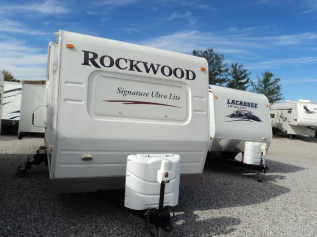 2009 Forest River Rockwood Signature Ultra Lite