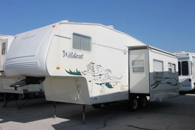 Used 2003 Forest River Wildcat 27RL Fifth Wheel For Sale