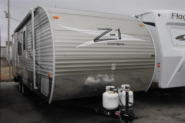 Used 2014 Crossroads Z-1 ZT251BH Travel Trailer For Sale