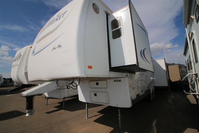 Used 2004 NuWa Discover America 31.5 Fifth Wheel For Sale