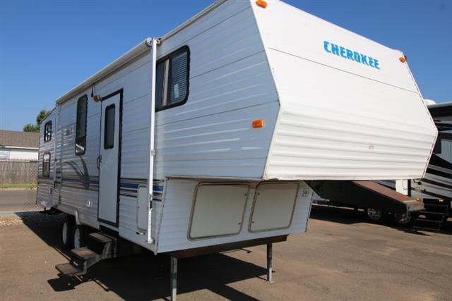 Used 1999 Cherokee Cherokee 285A Fifth Wheel For Sale