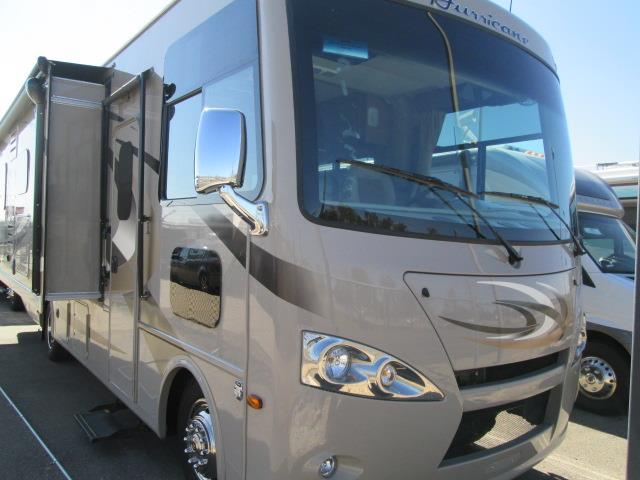 Used 2015 Thor Hurricane 27K Class A - Gas For Sale