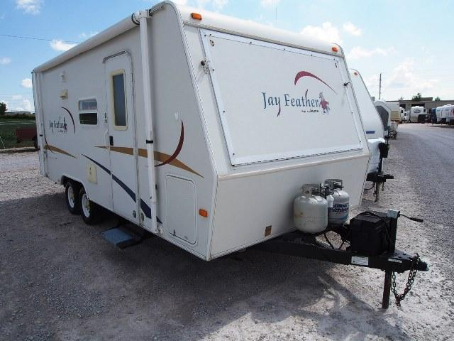 Buy a Used Jayco Jay Feather in Grain Valley, MO.