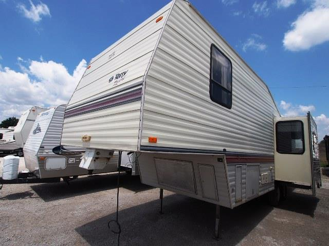 Used 1993 Terry Terry 28T Fifth Wheel For Sale
