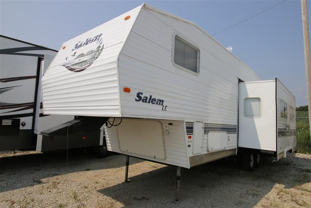 Used 2004 Forest River Salem 28BHSS Fifth Wheel For Sale