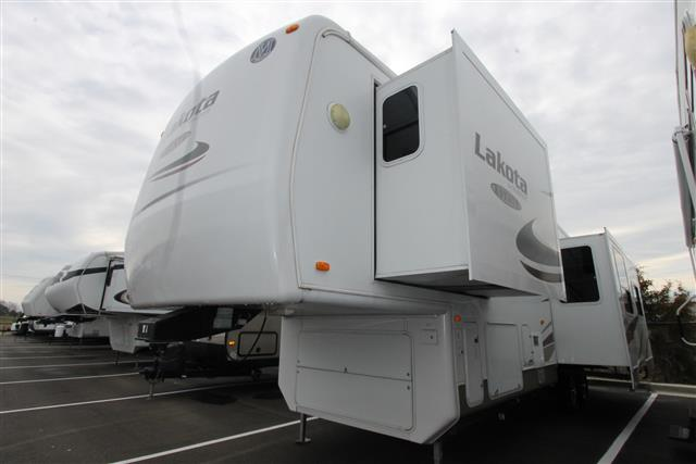 Used 2007 Mckenzie Towables Lakota Estate 32SKT Fifth Wheel For Sale