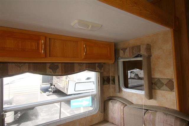 Used 2004 Keystone Hornet 275H Fifth Wheel For Sale