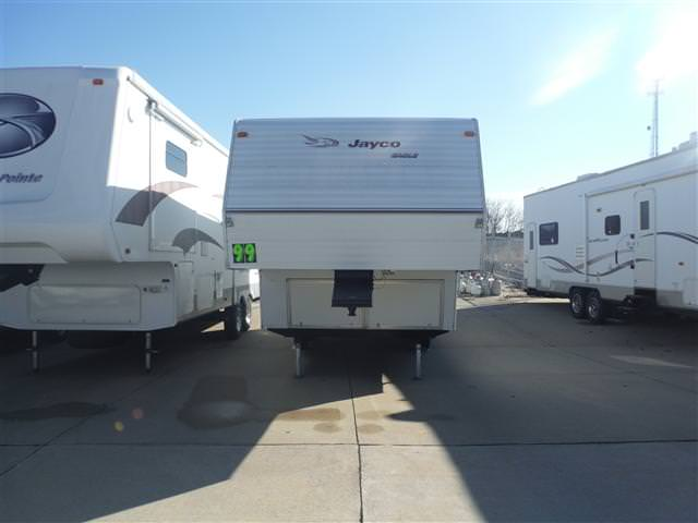 Buy a Used Jayco Jayco in Cedar Falls, IA.