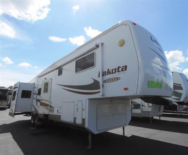 Used 2006 Mckenzie Towables Lakota 34RLT Fifth Wheel For Sale