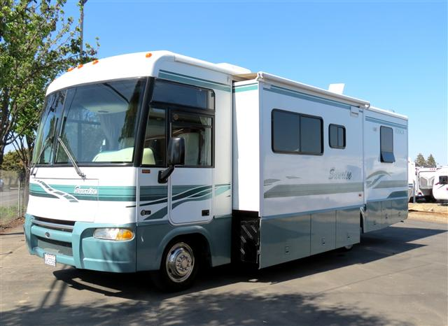 Buy a Used Itasca Sunrise in Fresno, CA.