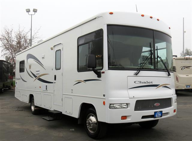 Used 2008 Winnebago Chalet 30BR Class A - Gas For Sale