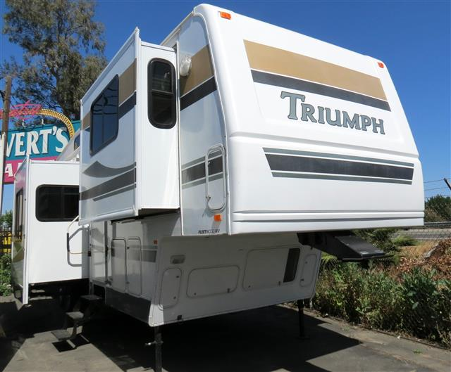 Used 2004 Fleetwood Triumph 365 FLQS Fifth Wheel For Sale