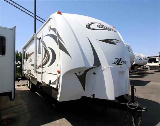Used 2013 Keystone Cougar Lite 24 RL Travel Trailer For Sale