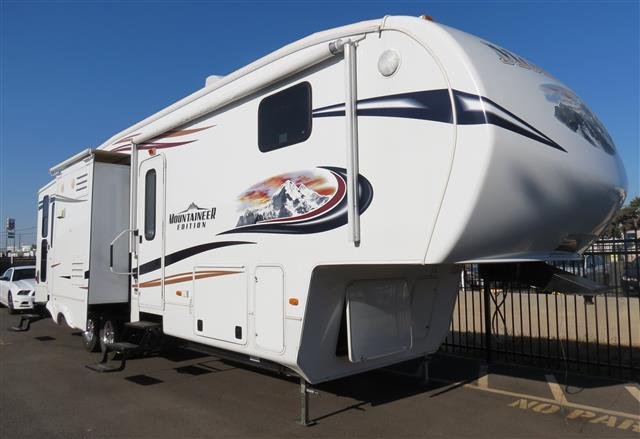 Used 2012 Keystone Montana 347THT Fifth Wheel Toyhauler For Sale