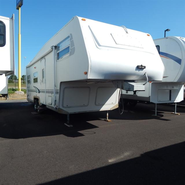 Used 2000 R-Vision Trail Lite M-5270 Fifth Wheel For Sale
