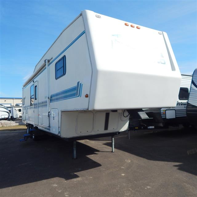 Used 1994 Skyline Outland 35F Fifth Wheel For Sale