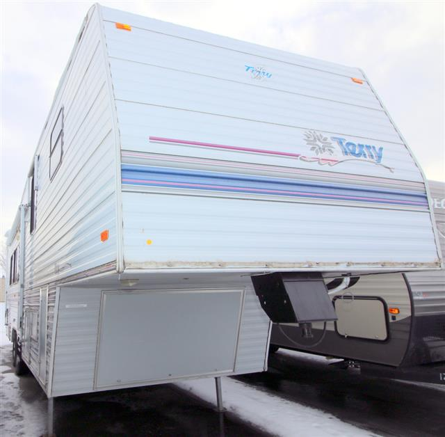 Used 1995 Fleetwood Terry 32.5 Fifth Wheel For Sale