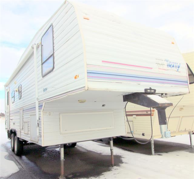 Used 1996 Fleetwood Terry 255D Fifth Wheel For Sale