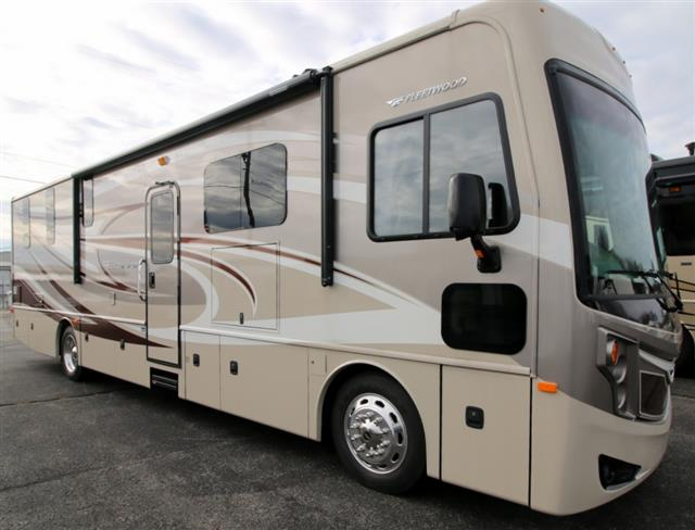 2015 Fleetwood Excursion