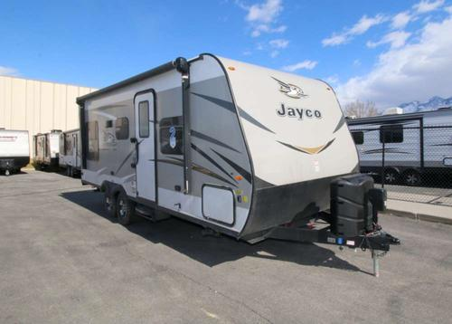 Bedroom : 2018-JAYCO-21QB
