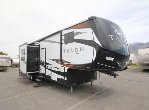 Bedroom : 2018-JAYCO-413T