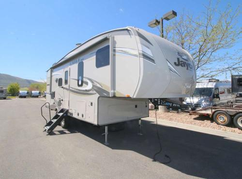 Bedroom : 2018-JAYCO-25.5REOK