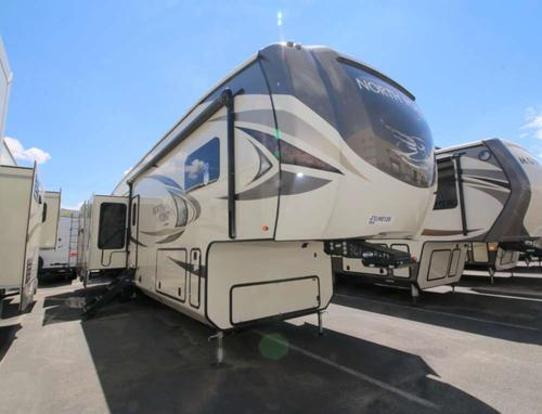 Bedroom : 2018-JAYCO-361RSFS