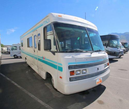 Bedroom : 1994-WINNEBAGO-SUNRISE 33RQ