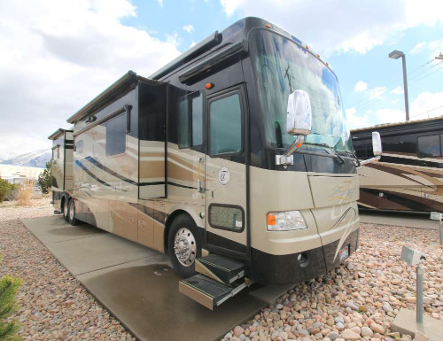 Bathroom : 2009-TIFFIN-45QBZ 500 HORSE