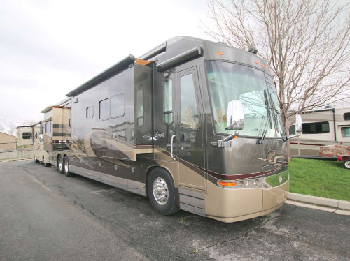 Bedroom : 2008-TRAVEL SUPREME-45DL24 600 HP