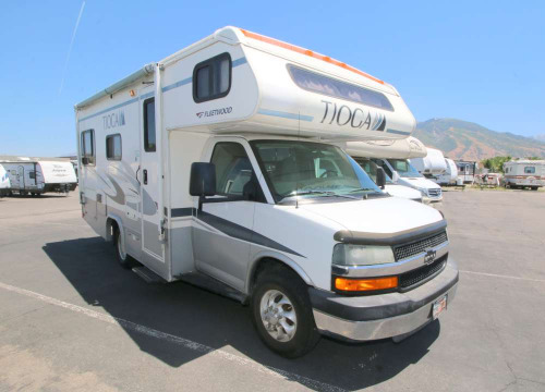 Kitchen : 2005-FLEETWOOD-22B-CHEVROLET