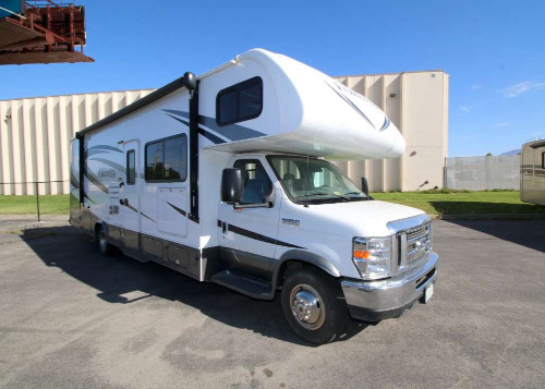 Kitchen : 2017-FOREST RIVER-3051S FORD E450 6.8 LITER