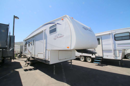 Bedroom : 2006-JAYCO-30.5RLS
