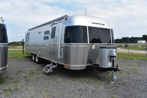 Exterior : 2019-AIRSTREAM-30 QUEEN