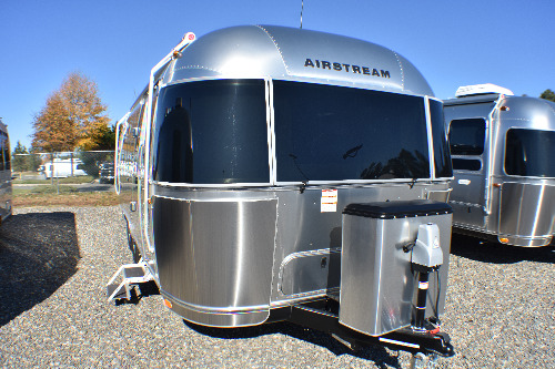 Exterior : 2020-AIRSTREAM-26RB QUEEN