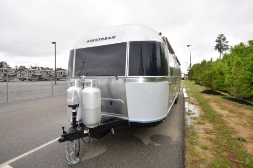 Exterior : 2019-AIRSTREAM-33FB QUEEN