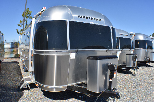 Exterior : 2020-AIRSTREAM-30RB QUEEN